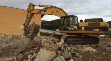 CAT 330MACHACAR